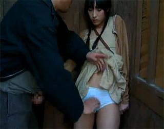 隣のトイレでおっさんのオナニーを見てたら見つかって肉便器にされた田舎娘