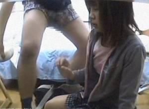 中×生に欲情した家庭教師が抵抗できるはずもない少女に猥褻!!その様子をカメラで撮影・・・!!!