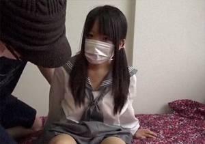 【個人撮影】 ガチで心配になる中×生のような制服少女のやらされてる感じのハメ撮り撮影がヤバイ!!