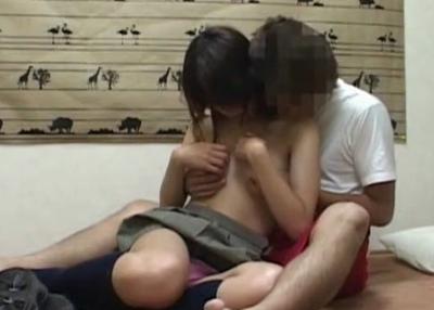 【素人】 隠しカメラがあるとは知らずに女子校生がナンパされた男の部屋に・・素の様子を撮影される!!