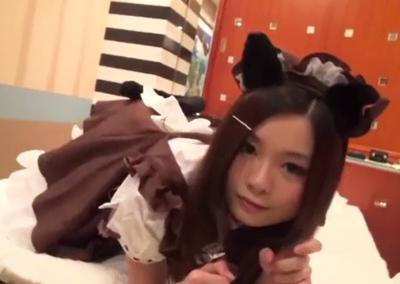 【素人円光】 日本語が流暢でない□リなチャイナ女子校生にメイドや制服を着せてハメ撮り!!
