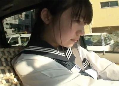 【素人円光】 経験のあまりなくて怖がってる女子校生を強引に自分勝手にやっちゃう!