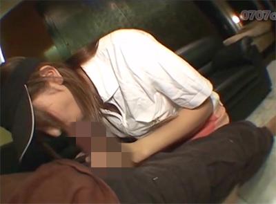 【無修正・個人撮影】 飲食店のアルバイトの10代が店のユニフォームでハメ撮り!!